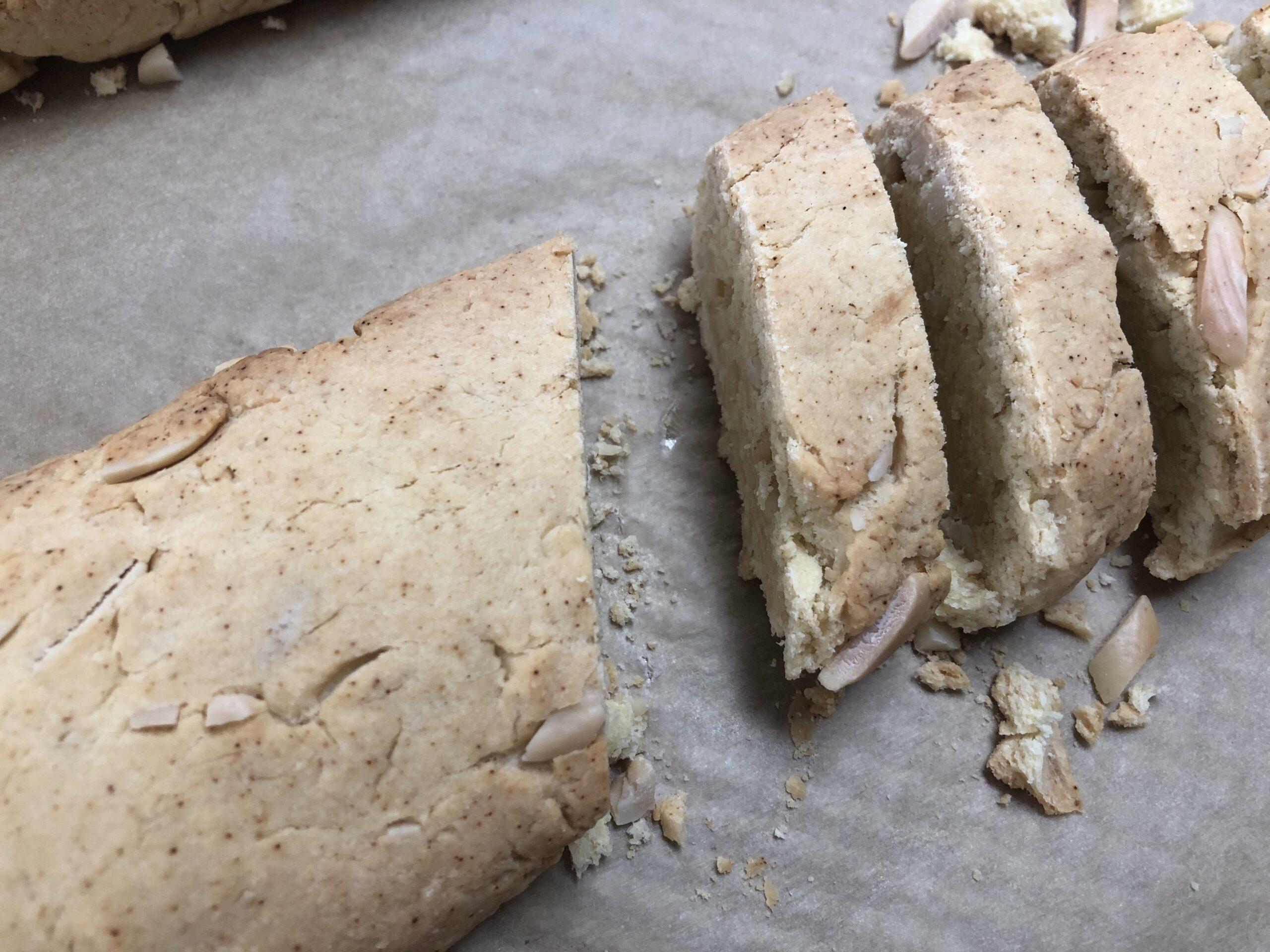 cut biscotti rolls